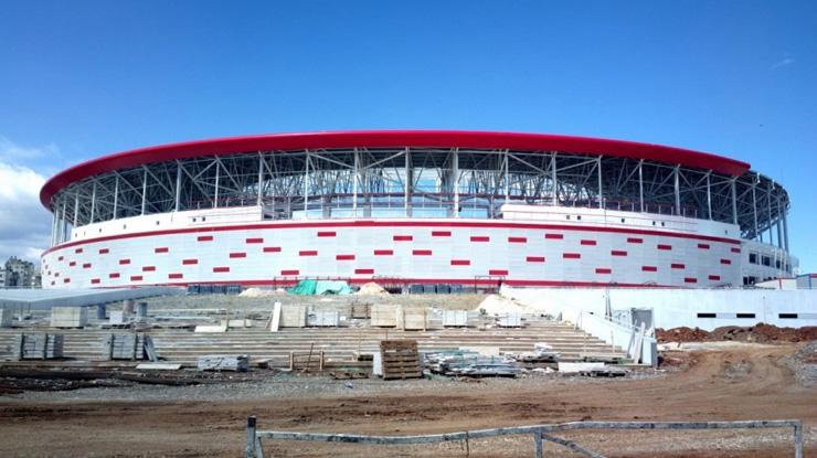 Antalya'nın yapılmakta olan yeni stadı'nda çalışmalar tüm hızıyla sürüyor...