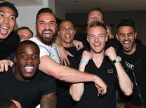 Leicester City, şampiyonluğu sabaha kadar doyasıya kutladı...