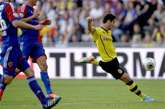 Mkhitaryan golle başladı