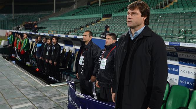 Bursaspor, teknik direktör Ertuğrul Sağlam ile yollarını ayırdı