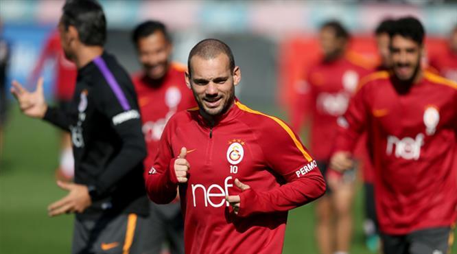 Galatasaray'da Riekerink Sneijder kararını verdi