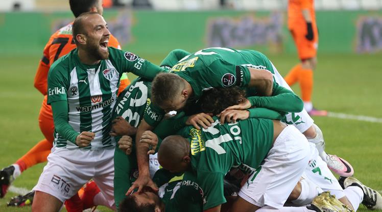 Bursaspor-Çaykur Rizespor: 2-1 (ÖZET)