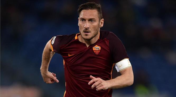 Roma, Francesco Totti ile 1 yıllık sözleşme imzaladı